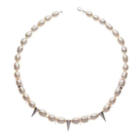 Perle R Necklace