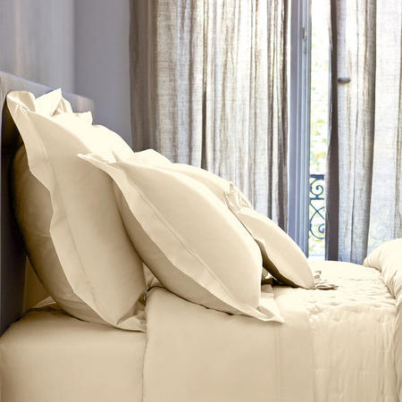 Triomphe Honey Standard Pillowcase