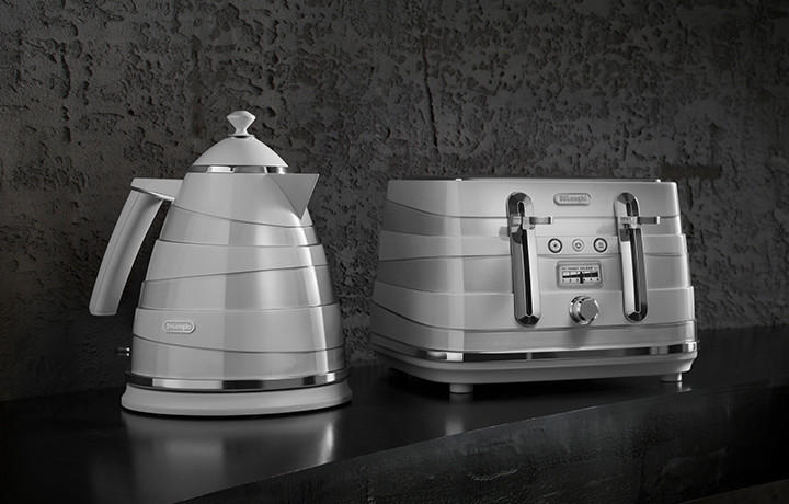 Delonghi Coffee Makers Toasters Health Fryers