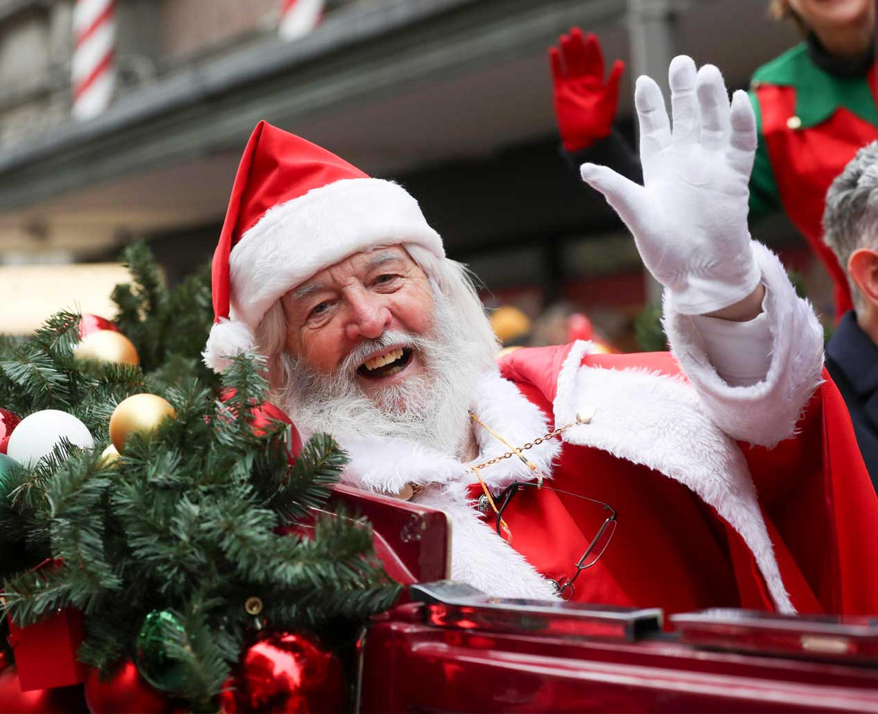 Santa Arrives at Arnotts
