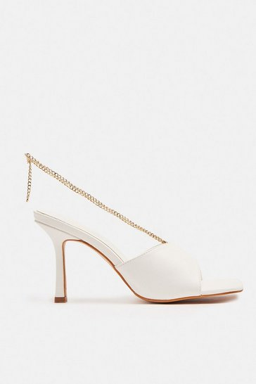 White Heeled Mule With Chain Detail