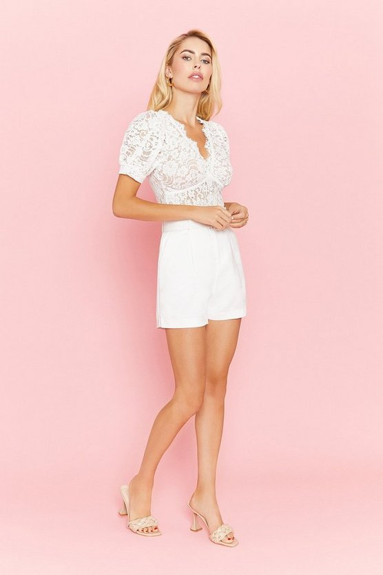 White Belted Tailored Short
