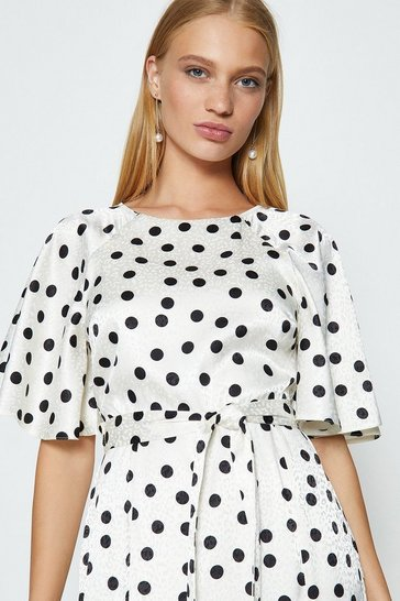 Mono Fluted Sleeve Spot Print Midi Dress