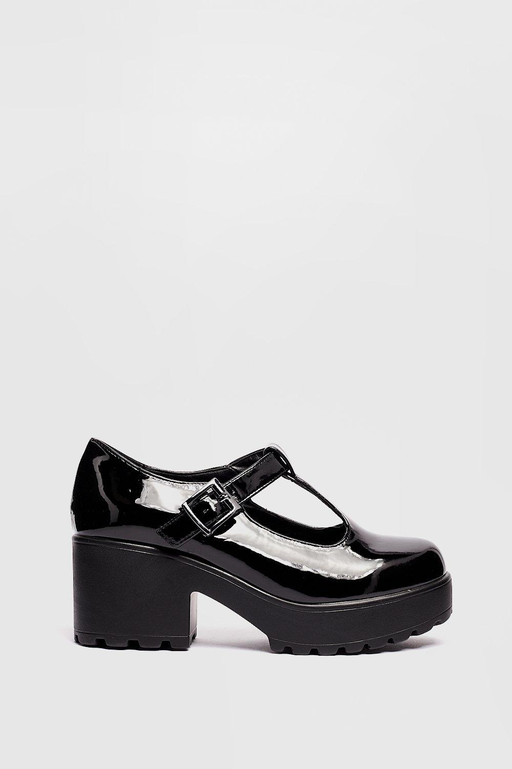 Patent leather Mary Janes shoes