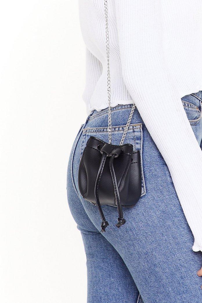 la meilleure attitude b50e1 f3fec Mini sac seau avec bandoulière en chaîne Mignonnette | Shop Clothes at  Nasty Gal!