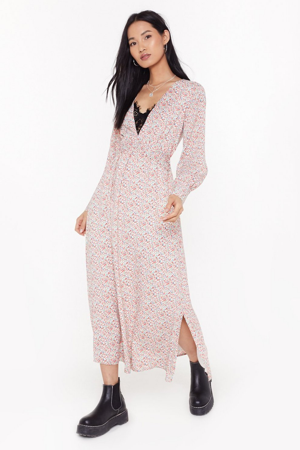 d5605ee553879 plunge floral maxi dress | Shop Clothes at Nasty Gal!