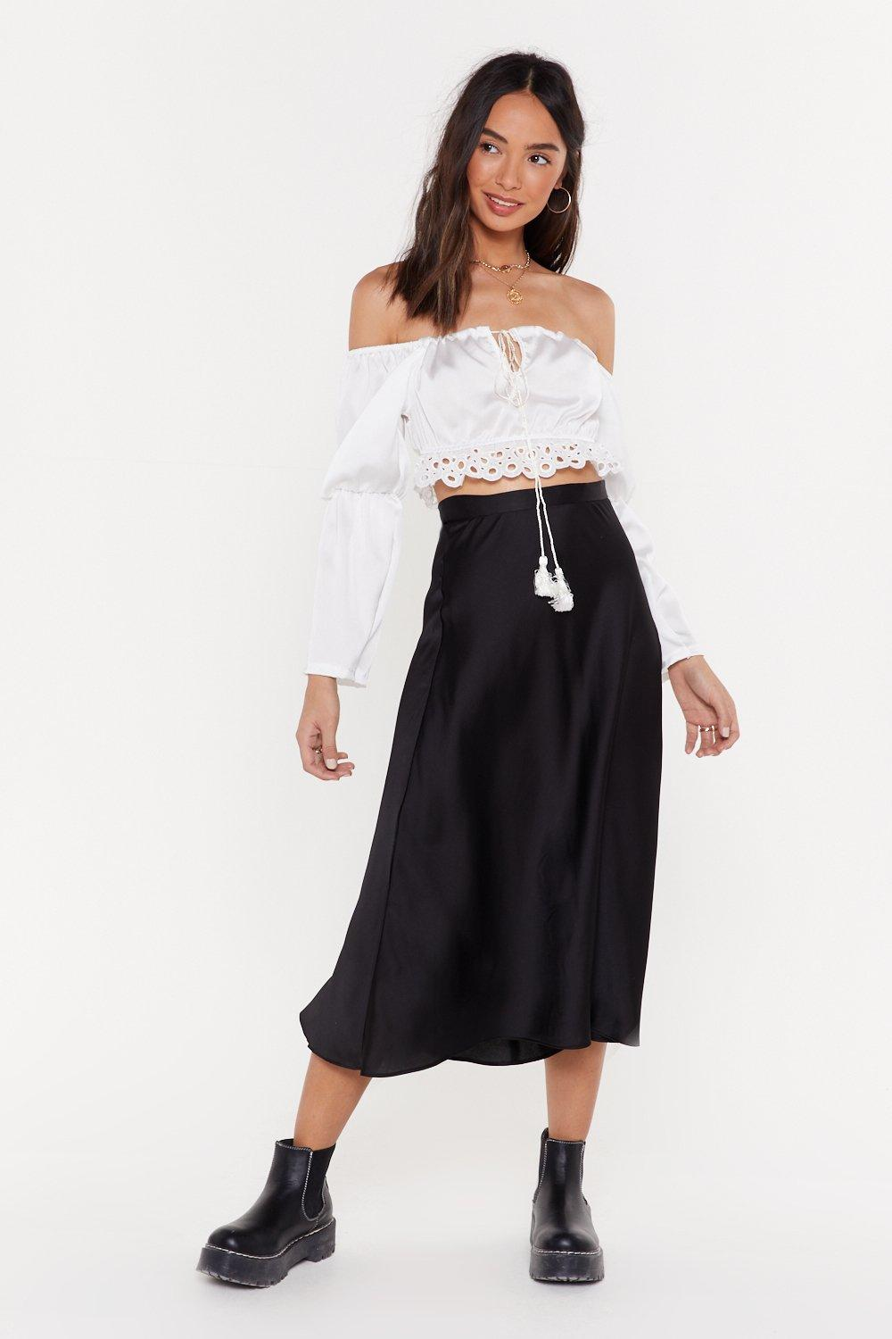 2135bb928 Jupe midi taille haute en satin Satin Lover | Shop Clothes at Nasty Gal!