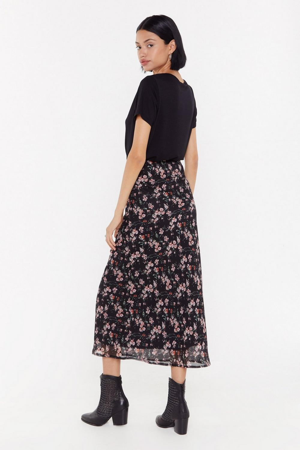 b214a5f2e98e Bias Cut Midaxi Skirt In Crinkle Red Floral | Shop Clothes at Nasty Gal!