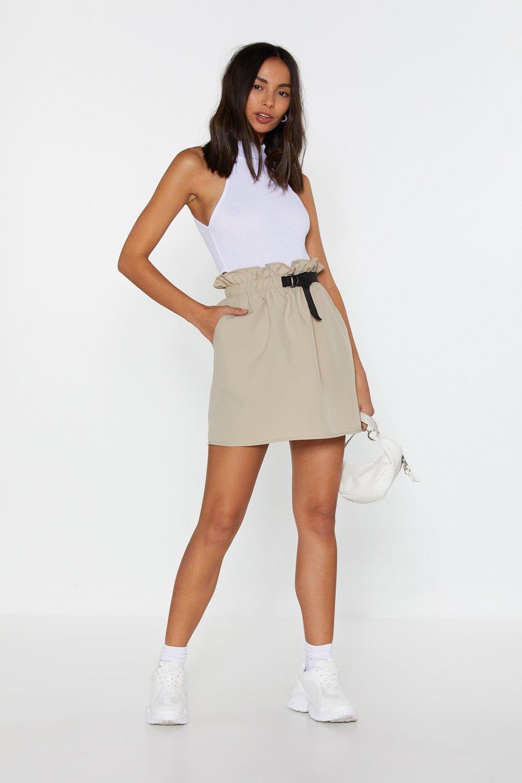 62d31aa51 Mini-jupe à taille froncée et boucle en D | Shop Clothes at Nasty Gal!