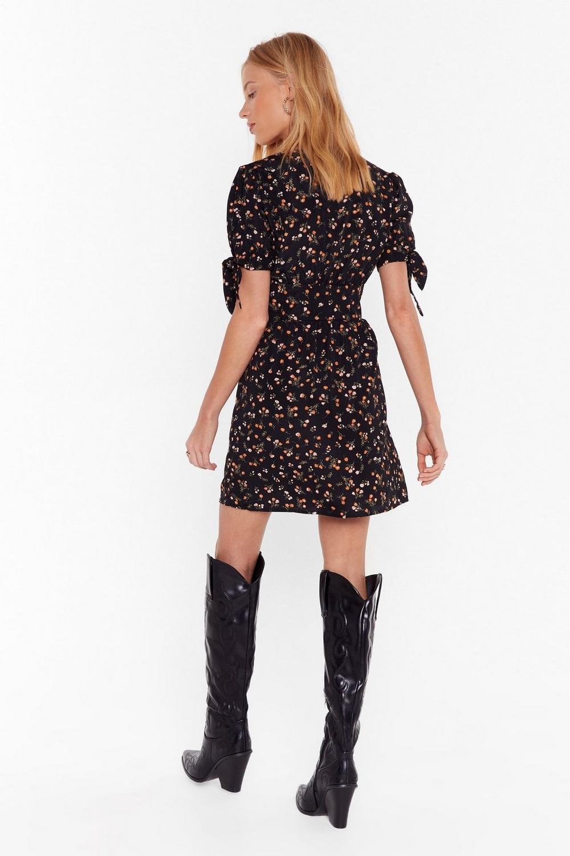 fae276de2a9 Womens Black What s the Tea Floral Button-Down Dress.