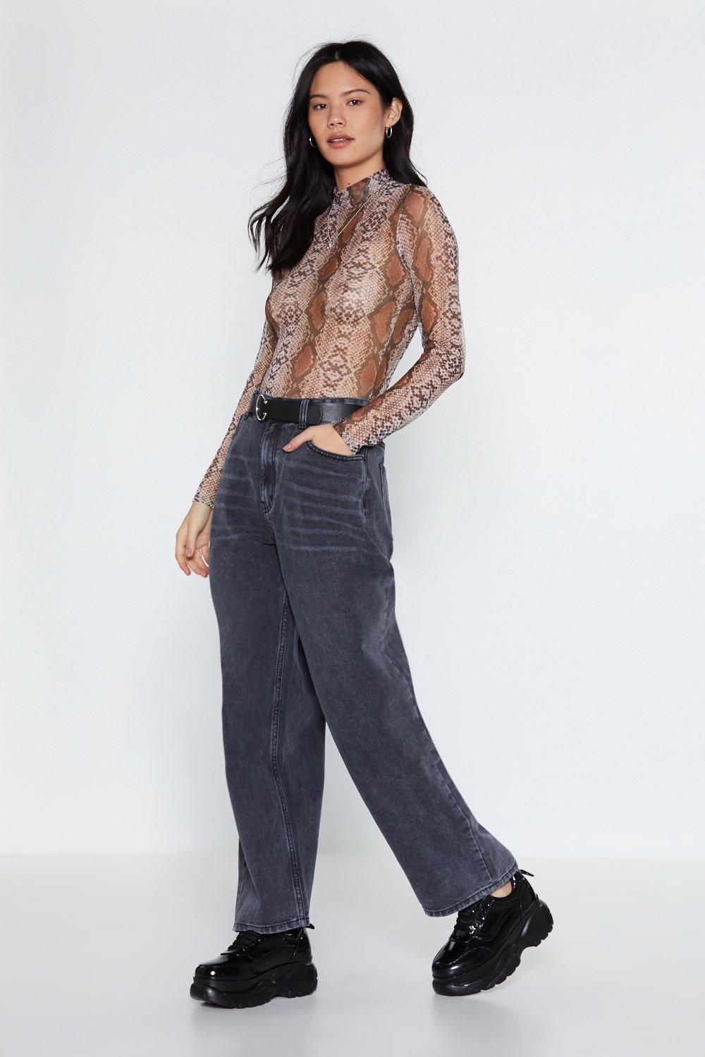 7a1b69508ce Stride in Oversized Jeans