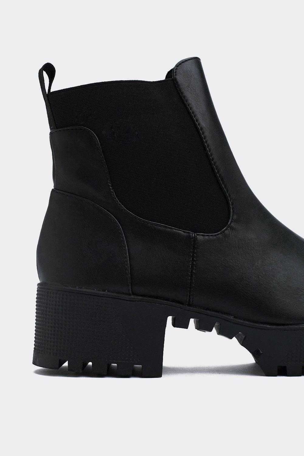 With The Pack Platform Chelsea Boot by Nasty Gal