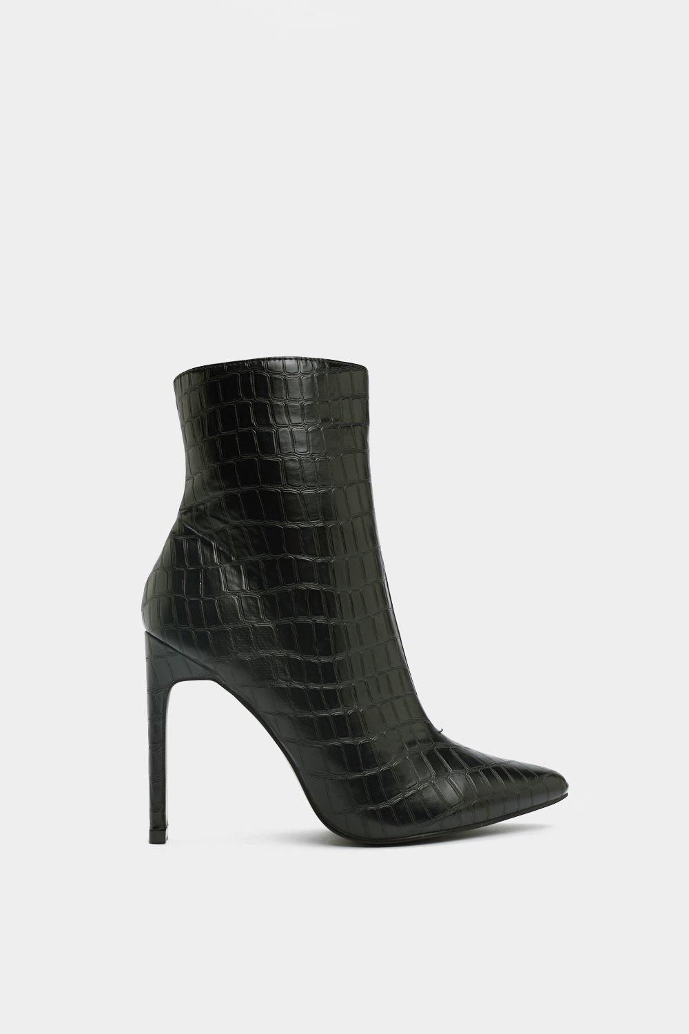 b9e146af7 Womens Black Beside the Point Croc Boot.