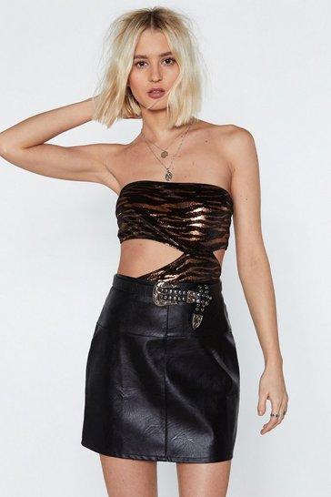 afe5739bd39d Amazon.com  Daisy corsets Women s Lavish Tuxedo Bunny Corset Romper   Clothing