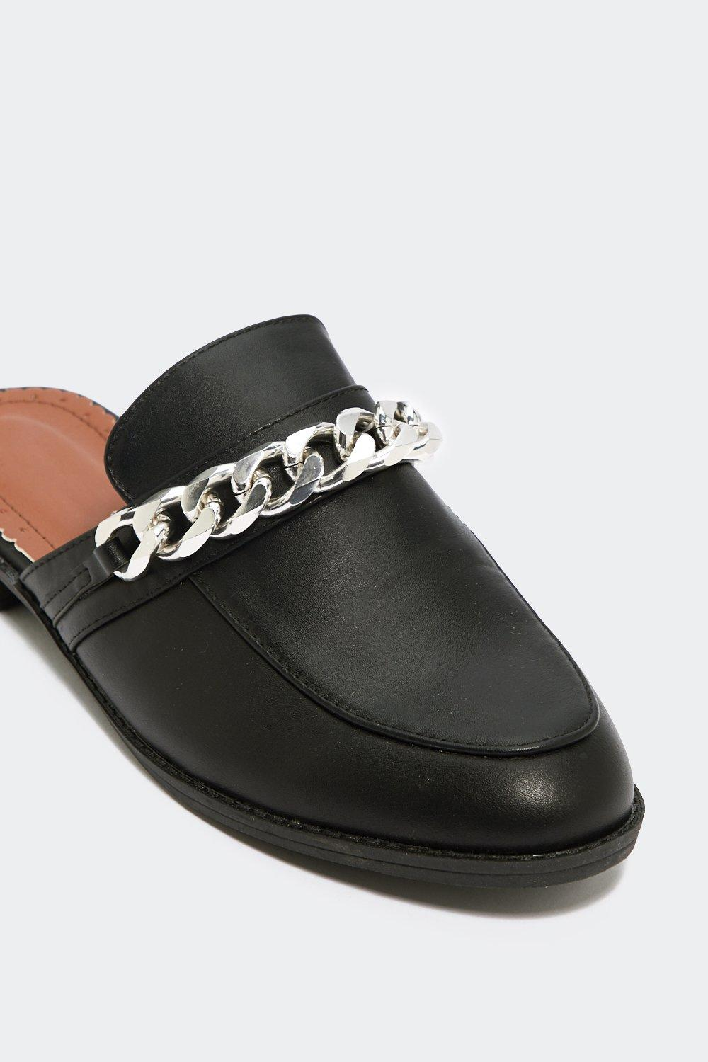 Chain Ground Loafer by Nasty Gal