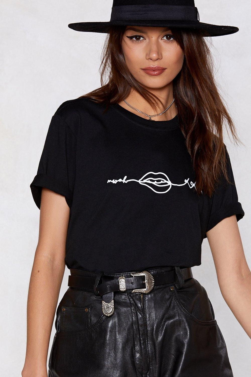 When You Kiss Me Relaxed Tee by Nasty Gal