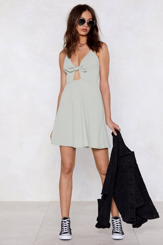sorry-knot-sorry-tie-dress by nasty-gal