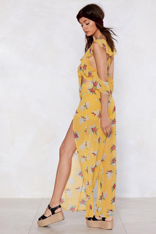 d0f44f06b7 Just Grow Away Floral Crop Top and Pants Set | Shop Clothes at Nasty ...