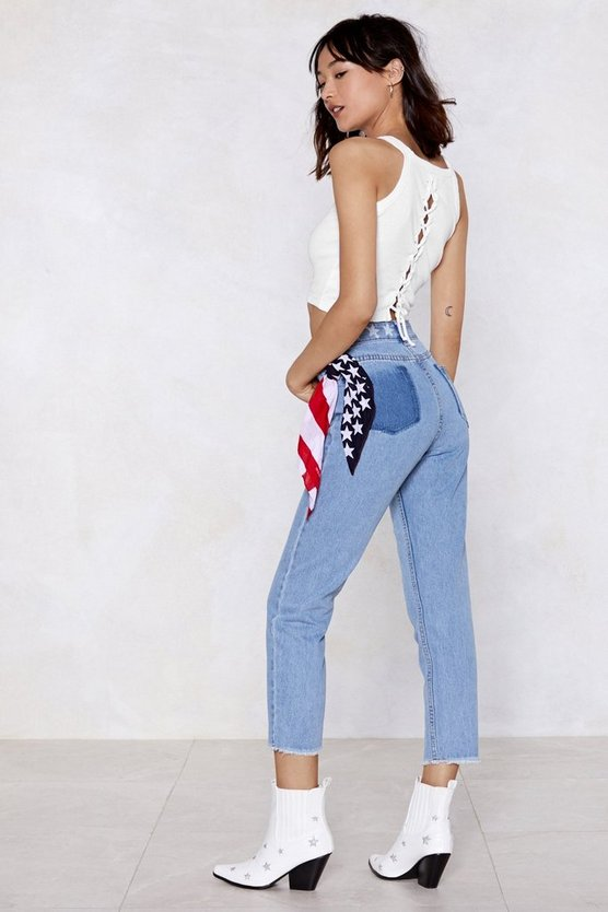 Moms The Word Relaxed Jeans by Nasty Gal