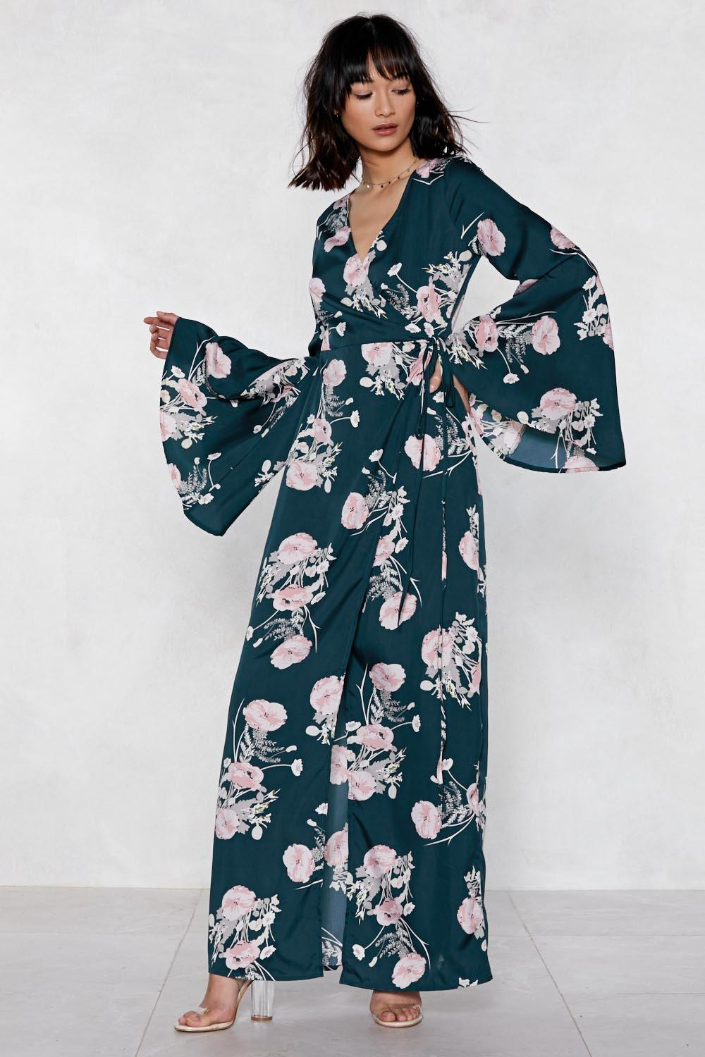 Wrap Queen Kimono Dress | Shop Clothes at Nasty Gal!