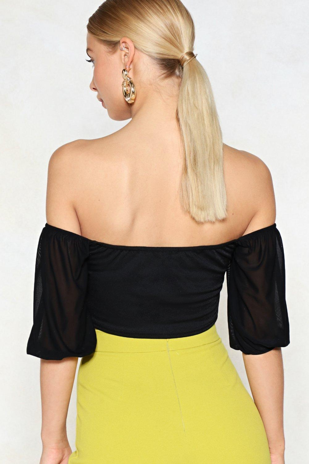 32b6972f667b96 Pour Your Sweetheart Out Off-the-Shoulder Crop Top