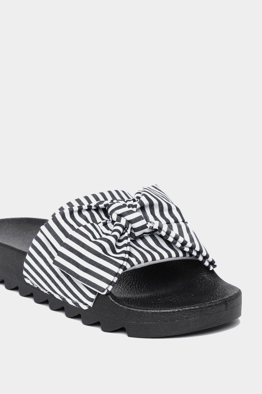 cheap Manchester Slide into the DM's Striped Slider discount explore countdown package for sale yVgX2PAzK