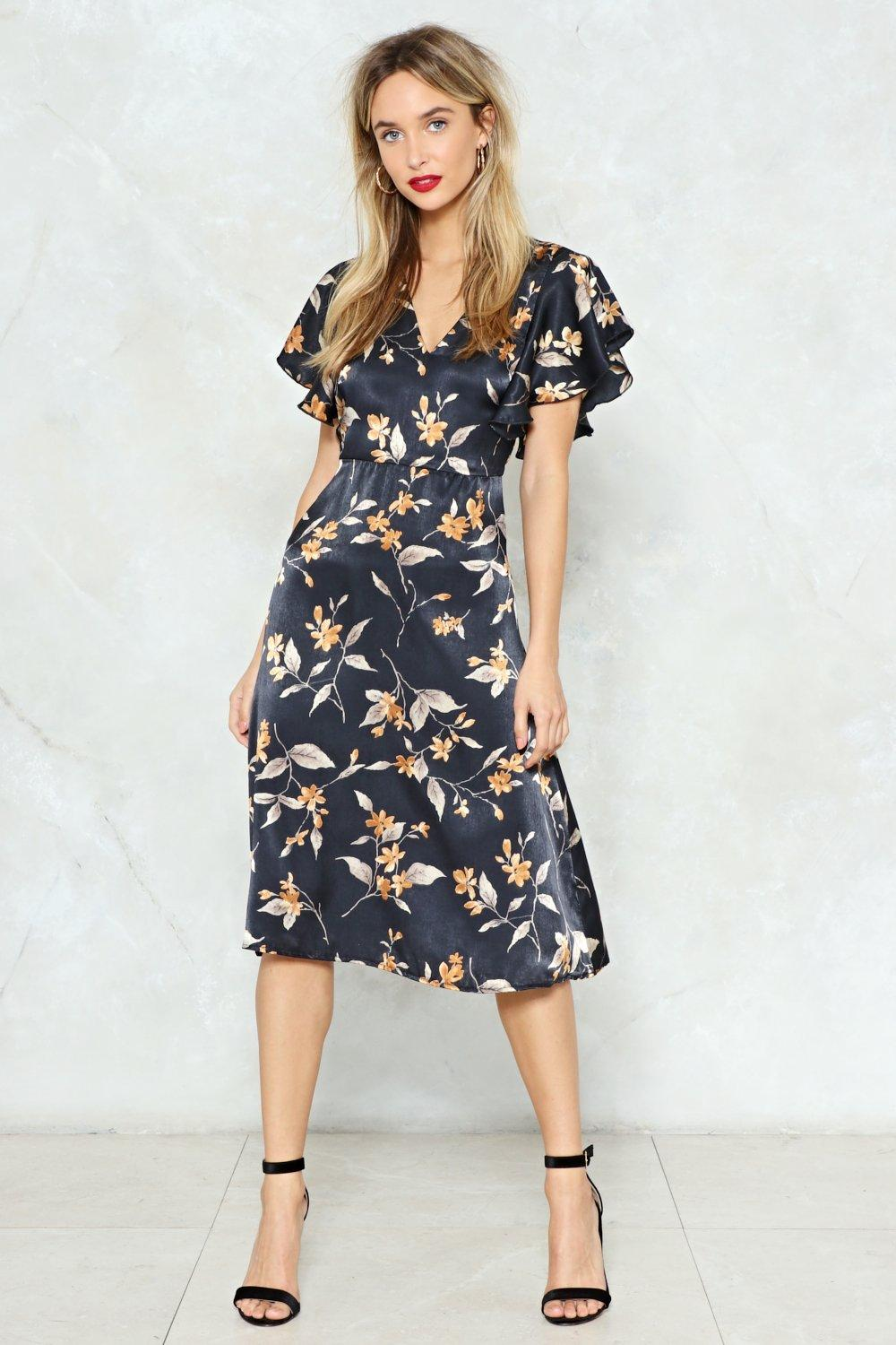 Midi Dresses with Sleeves