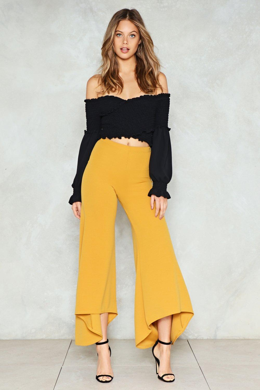 Off the Shoulder and Off the Hook: 15 Affordable Pieces That Ace This Mega-Trend Off the Shoulder and Off the Hook: 15 Affordable Pieces That Ace This Mega-Trend new images
