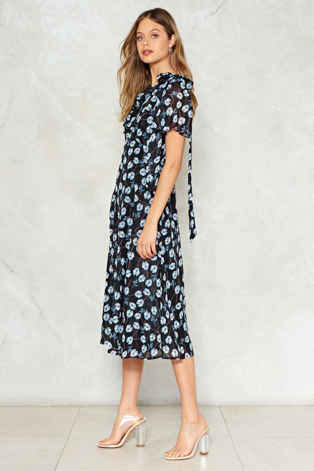 734cb13479335 Bud to the Bone Floral Midi Dress. Hover to zoom