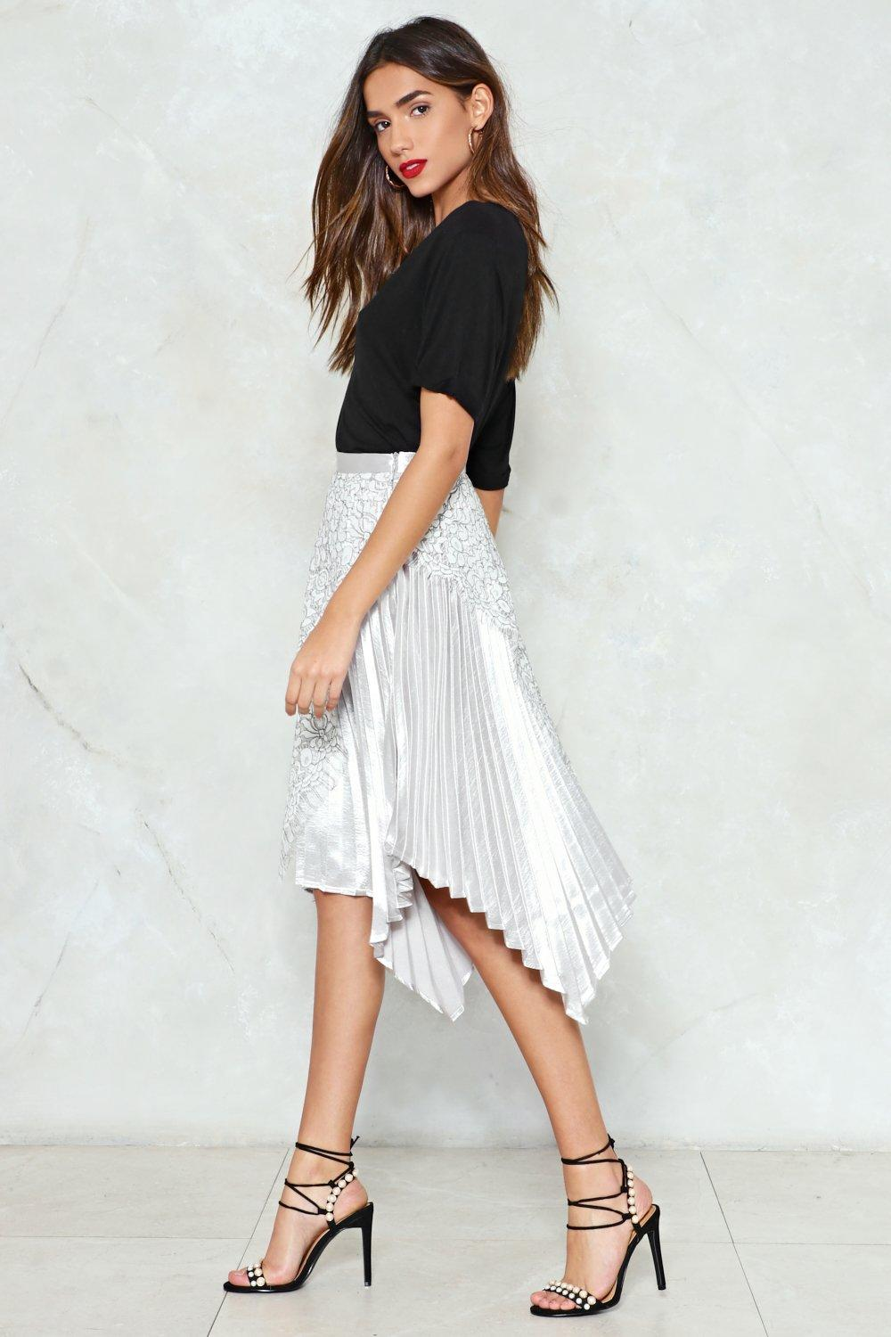 850375ef8446 The Unde-Pleated Champ Midi Skirt | Shop Clothes at Nasty Gal!