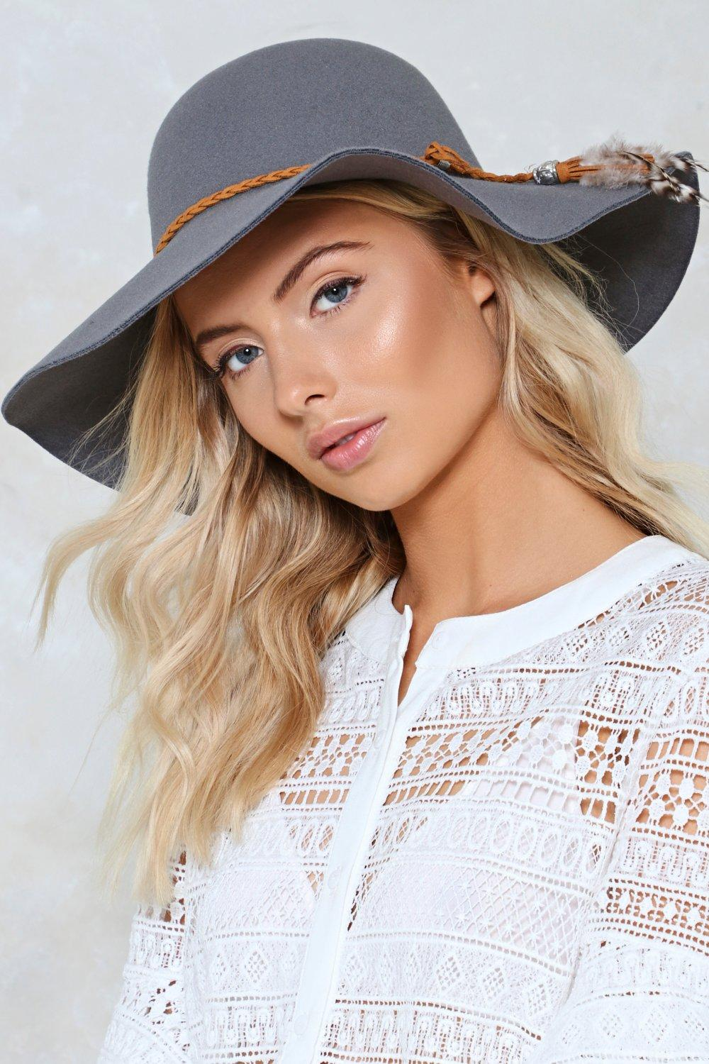 f3ed5c25687ee8 Better Luck Feather Floppy Hat   Shop Clothes at Nasty Gal!