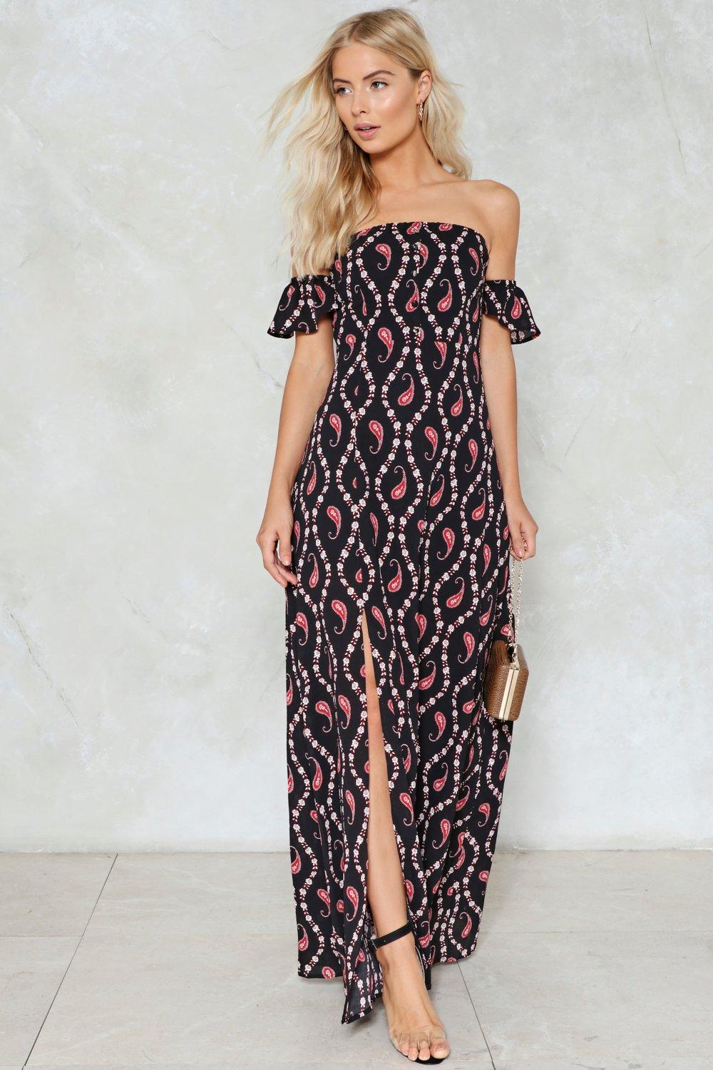 d66d72019f964 There ll Be Hell to Paisley Maxi Dress