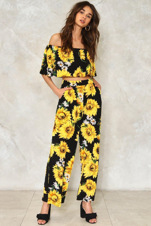 09e58ba5e Get Some Sunflower Floral Pants | Shop Clothes at Nasty Gal!