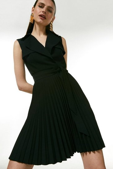 Black Sleeveless Pleated Skirt Trench Dress