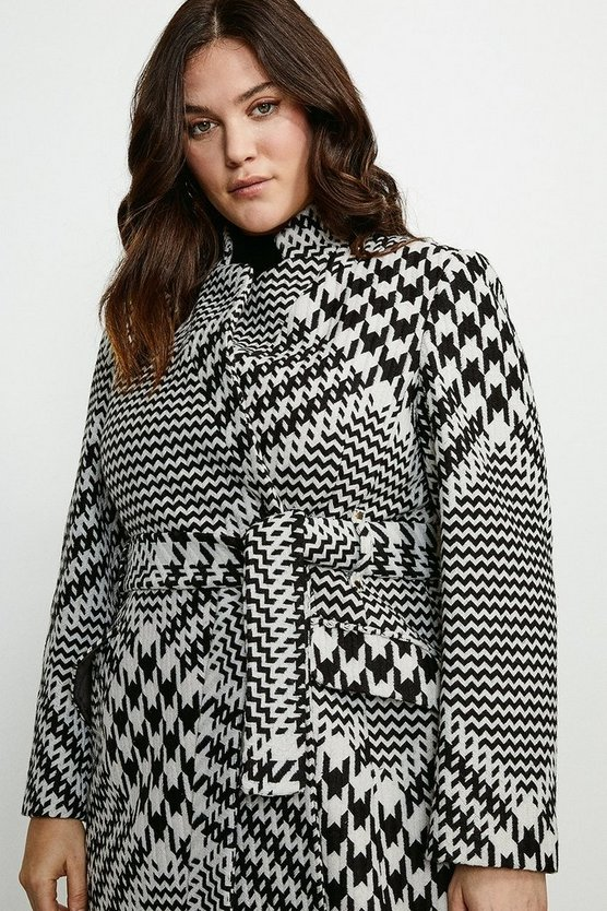 Black Curve Check Investment Notch Short Coat