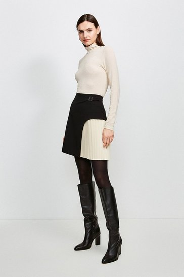 Mono Buckle Detail Pleated Mini Skirt