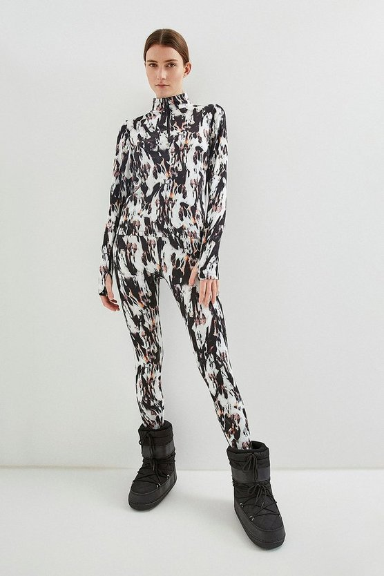 Blurred Animal Ski Layer Top With Zip