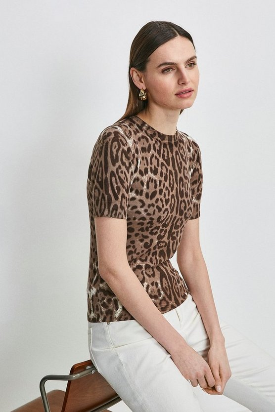 Leopard Printed Short Sleeve Knit Top