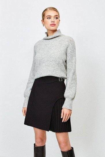 Black Buckle Detail Pleated Mini Skirt