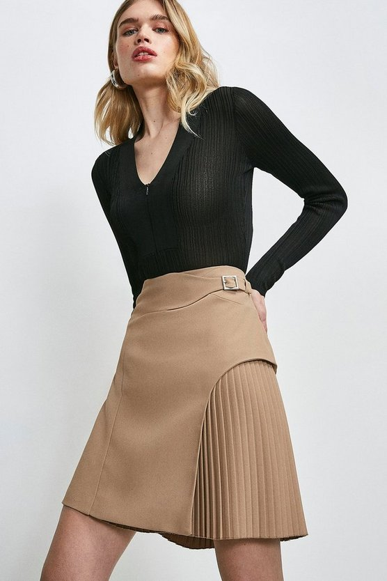 Camel Buckle Detail Pleated Mini Skirt