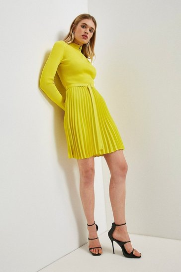 Yellow Pleated Short Skirt Knitted Dress
