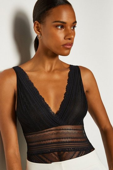Black Sleeveless Lace V-Front And Back Body