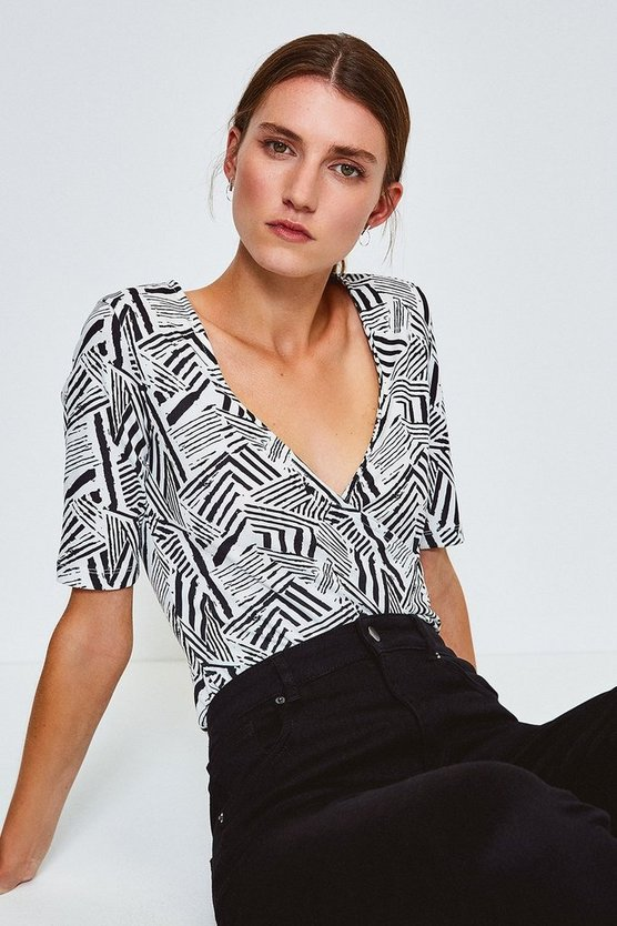 Black Viscose Short Sleeved Print Wrap Top