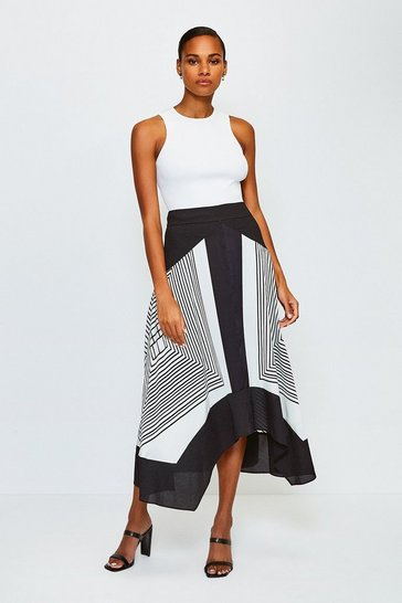 Graphic Stripe Skirt