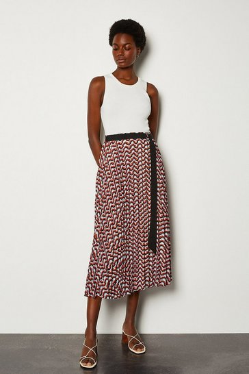 Red Sunray Pleated Skirt