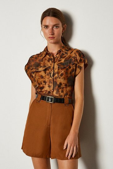 Leopard Silk Double Pocket Print Sleeveless Shirt