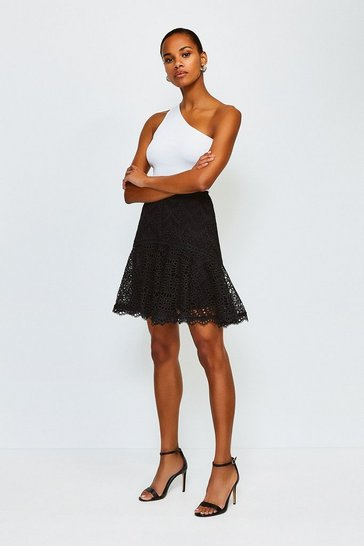 Black Chemical Lace Ruffle Skirt