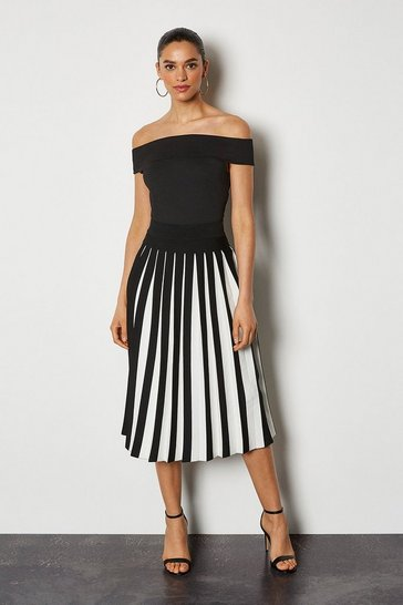 Blackwhite Midi Fluted Knit Skirt
