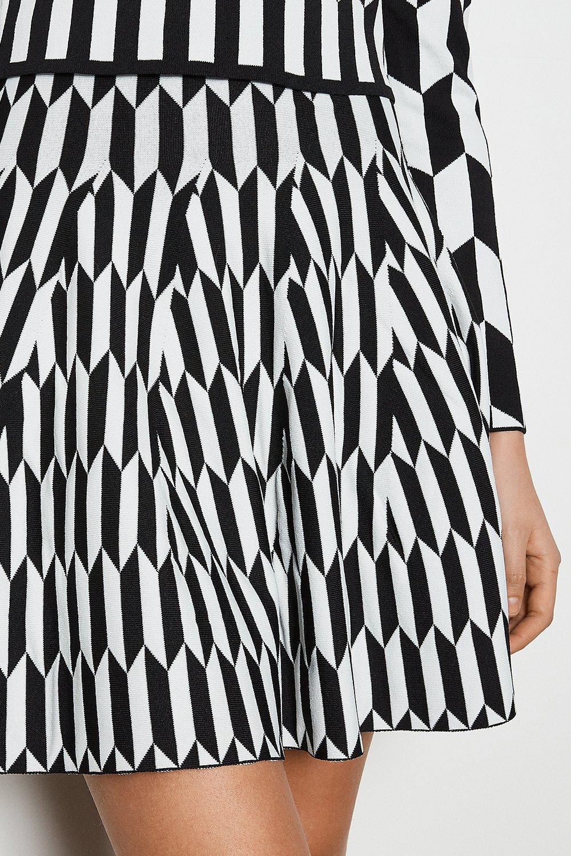 Geometric printed knit skirt