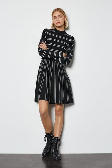 Black Feminine Stripe Scallop Knit Dress